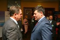 Участники общаются в перерыве с вице-президентом ТНК-BP