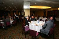 Общение участников во время обеда